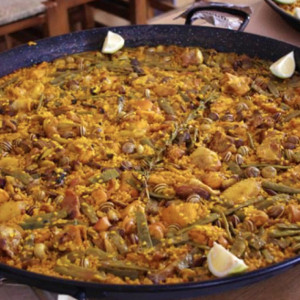 If you like your paella traditional...
