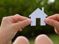 Vem köper bostad i Spanien?